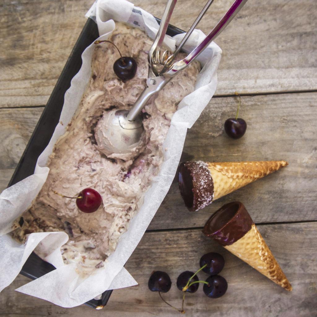 Cherry Chocolate Ice Cream | vegan • refined sugar-free