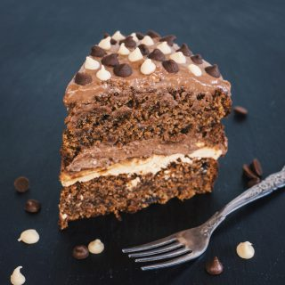 Tripple Chocolate Chip Cake